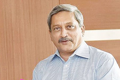 39 accidents  of defence  aircraft in three years: Parrikar