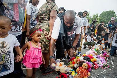 Horror in Texas: 5 kids,  three adults shot dead