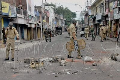 Quota row: Violence during bandh in Gujarat, curfew in many parts