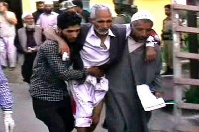 Grenade blast near mosque in Shopian, eight injured