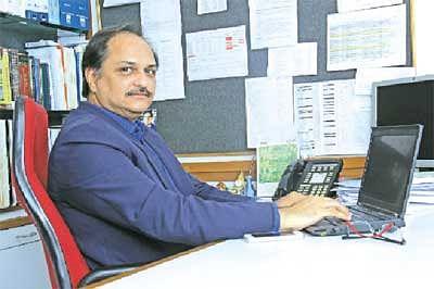 Listen to investors for value addition – Hoshang Sethna, Company Secretary, Tata Motors