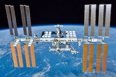 Radio buff chats with astronaut at International Space Station