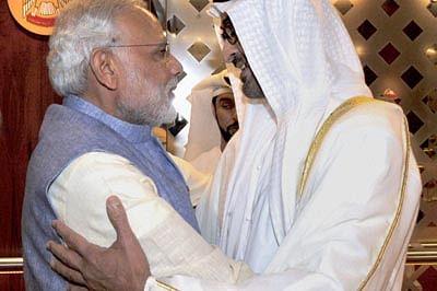 Narendra Modi visits mosquein UAE; clicks selfie