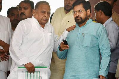 Jolt to opposition unity as Netaji backs debate
