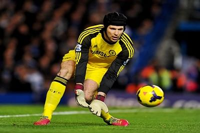 Cech's heroics help Arsenal hold Liverpool to goalless draw in PL clash