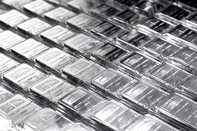 Silver futures rise 1.04% on overseas cues