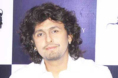 Sonu Nigam finds new love expression with 'First Date'