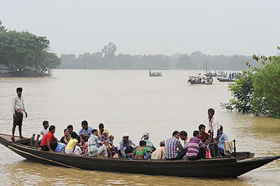 Water level recedes in Bengal as toll rises to 97
