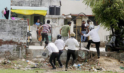 High Court orders probe by Ahmedabad CP on alleged 'police excess'