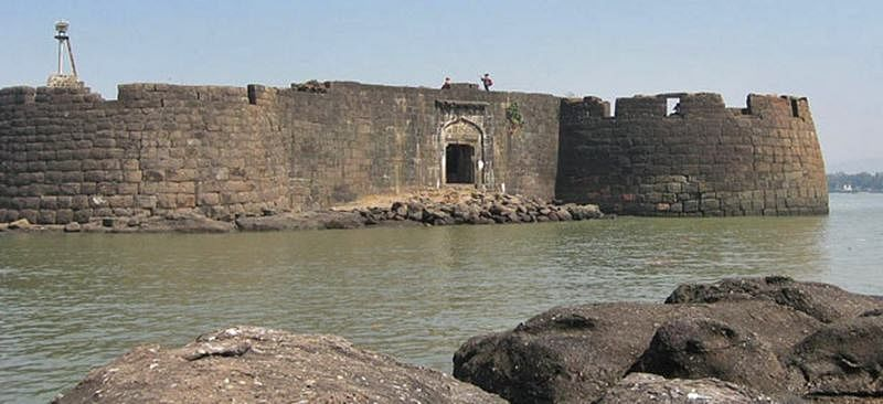 Kolaba Fort<br />Picture credits: www.journeymart.com