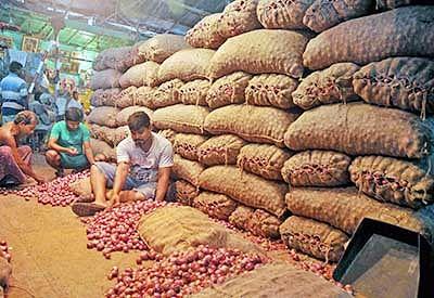 Swabhimani Shetakari Sanghatana puts BJP in a spot over fall in onion rates