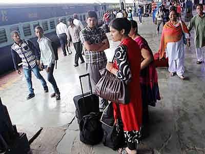 15-yr-old survivor returns home, recounts ordeal of train mishap