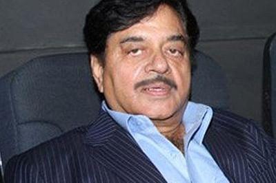 Shatrughan Sinha denies  that he is 'sulking'