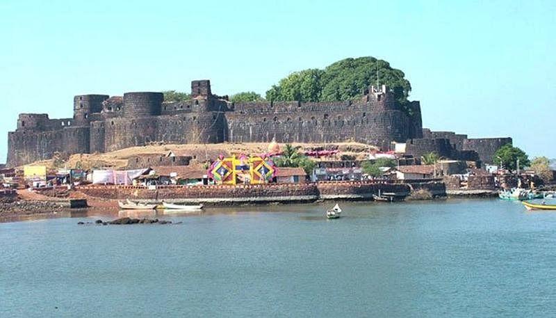 Vijaydurga Fort<br />Picture credits: bestpicnicspots.wordpress.com