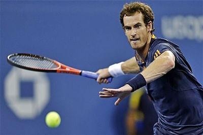 Murray advances, Wawrinka bows out of Australian Open