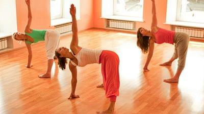 Dubai Based Indian Girl Breaks World Record In Performing Yoga Poses
