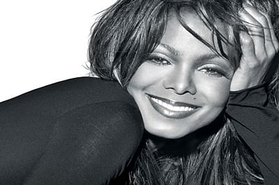 Janet Jackson covers entire body in 'layered white outfit'