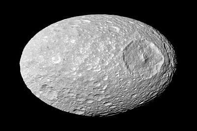 NASA probe spots 'global' ocean on Saturn's moon