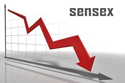 Sensex cracks again, ends down 267pts