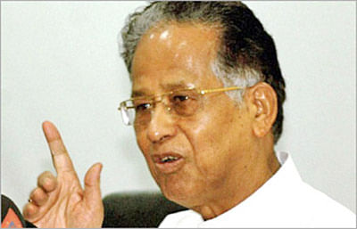 Gogoi announces Rs 862 crore package for Assam