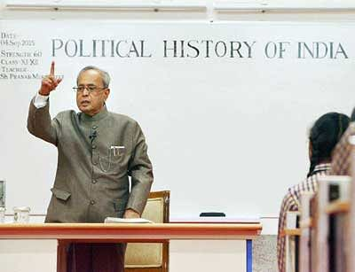 President back to classroom,this time as a teacher