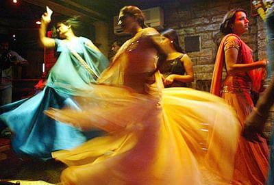 Mumbai: Cops nab 43 in Mira Road bar raids