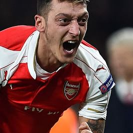 Arsenal legend Martin Keown sees Mesut Ozil being 'paid off', says it's about 'protecting the next generation'