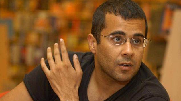 Chetan Bhagat spars with Justice Katju after becoming ISRO chief guest