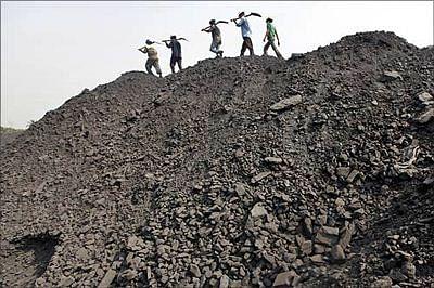 Par panel asks coal PSUs, govt to recover dues