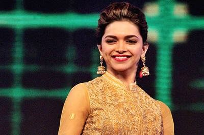 Hope more Indian A-listers take chances in Hollywood: Deepika