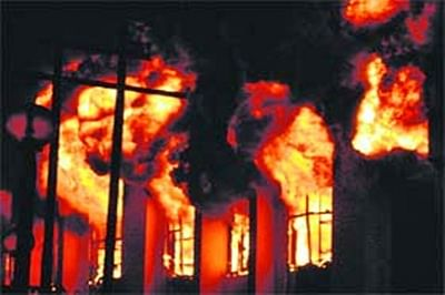 Building catches fire in Mumbai, no casualty