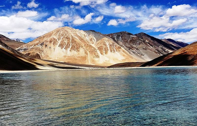 Pangong Lake<br />Picture credits: www.cenintravels.com