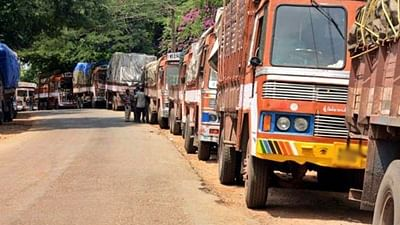 Truckers say fresh curbs in Maha may inflict daily loss of Rs 315 crore, demand relief steps