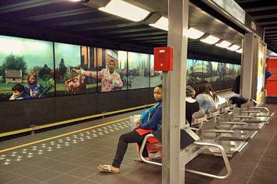 Terror alert shuts Brussels metro: network
