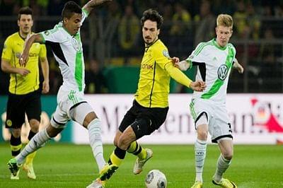 Dortmund, Wolfsburg win, Schalke held in Bundesliga