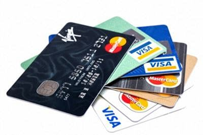 Indian arrested for stealing Kuwaiti woman's credit card