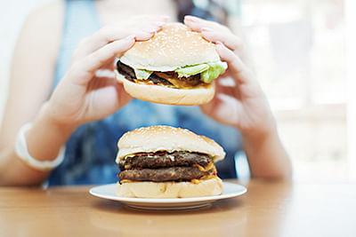 Apple-bodied women  likelier to binge eat