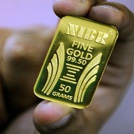 Gold prices fall for fourth consecutive day, silver rates also decline
