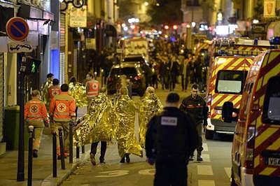 France strikes IS; global resolve against jihadists intensifies