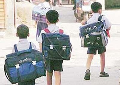 Parents equally responsible for weight of school bags, says headmasters' union