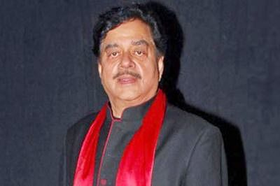 Shatrughan Sinha bats for Advani as Prez, says he is physically fit for post