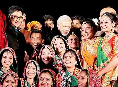 Modi starts Rann Utsav, charms people in Kutch