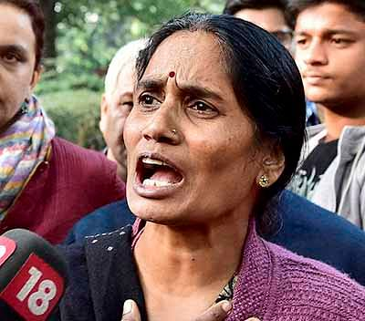 Nirbhaya's parents slam Govt for not acting in time
