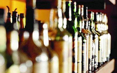 Narmada Nagar residents relaunch protest against liquor shop