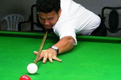 Rovin, Jagdale progress to semi-finals