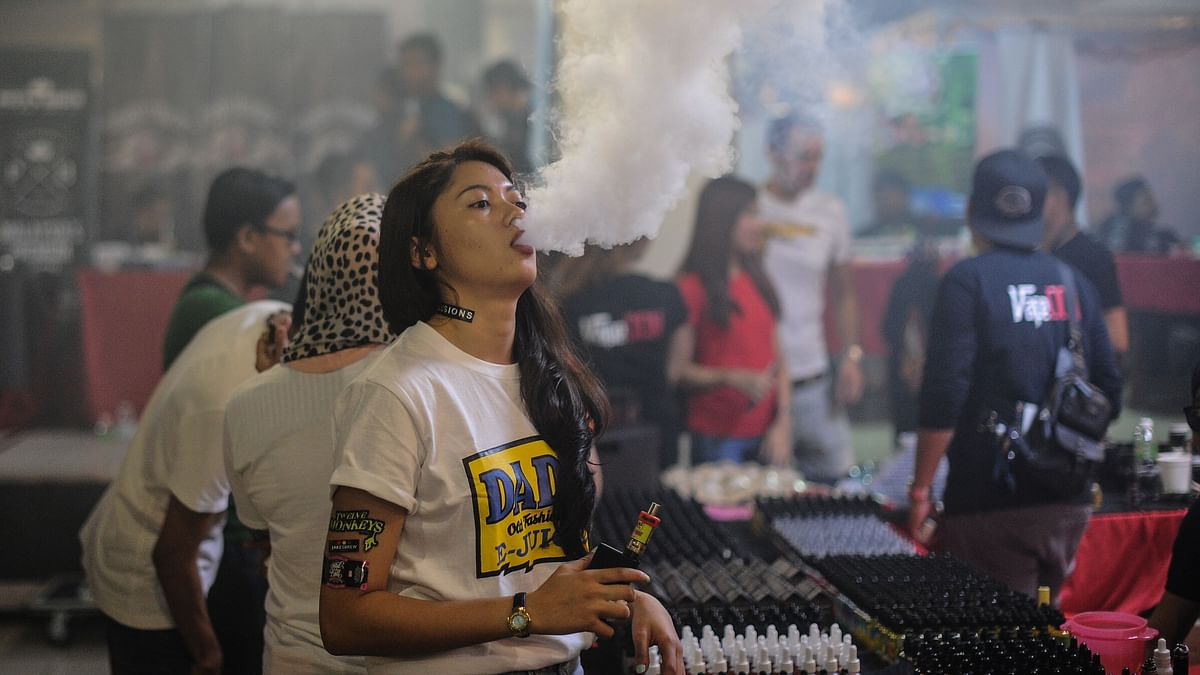 TO GO WITH Lifestyle-Malaysia-e-cigarette-tobacco-health,FEATURE by Satish Cheney