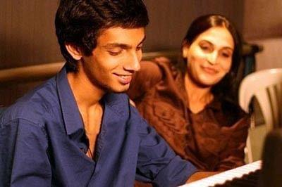 Kolaveri lyricist in spot over dirty song
