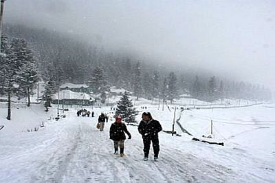 Snowfall, rain add to chill in Uttarakhand
