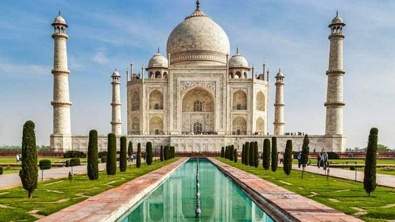 Agra: Extensive repair work on Taj Mahal minar begins