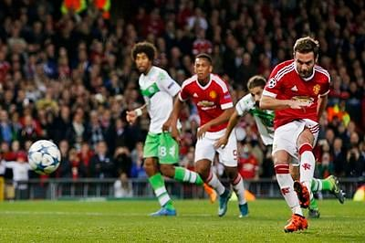 Wolfsburg oust United from Champions League